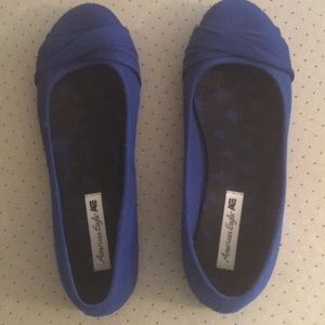 Blue cloth flats